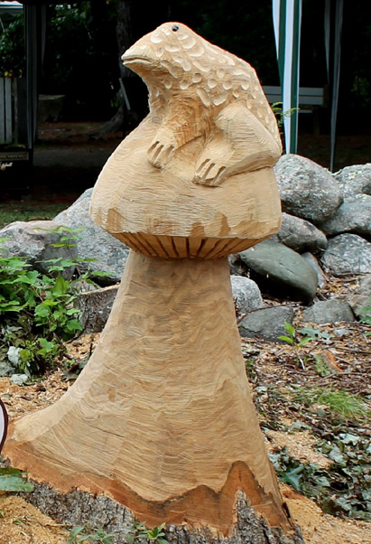 Ross Macvicar Chainsaw Artist Chainsaw Carvings Of Moon