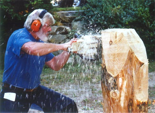 Ross a macvicar chainsaw artist carvings of bears